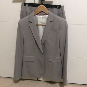 Banana Republic summer wool suit size 6